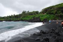 waianapanapa-park-beach